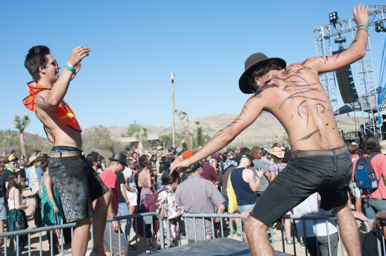images/Desert Daze 2016/Dance