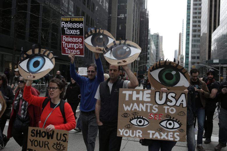 images/Trump Tax Day Rallies 2017/2017-04-15T202654Z_1_LYNXMPED3E0O2_RTROPTP_4_USA-TRUMP-TAXES