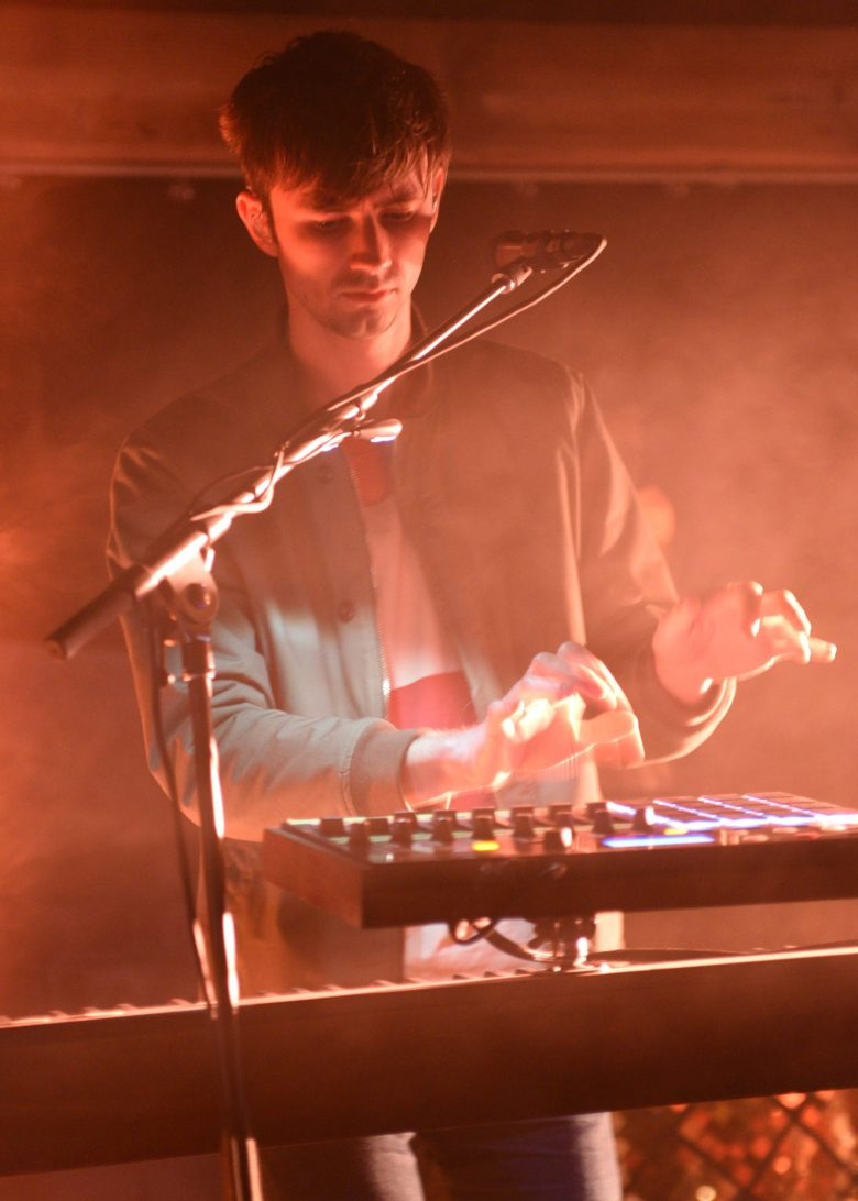 images/Glass Animals at Pappy and Harriets on April 19/DSC_5164