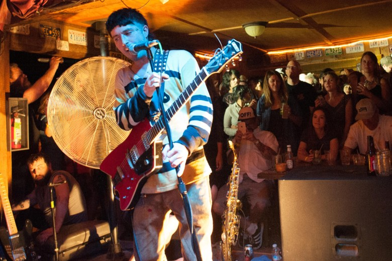 images/Black Lips at Pappy and Harriets/BigFan