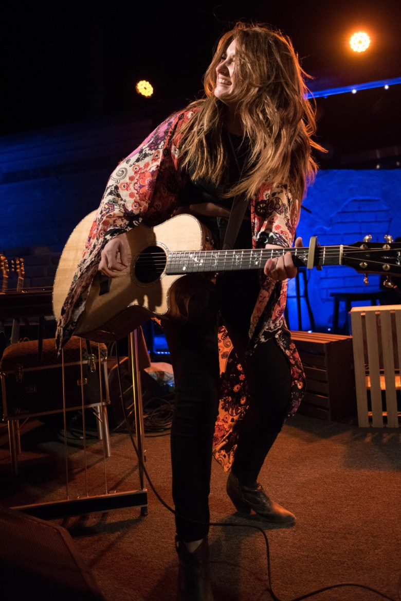 images/Maren Morris at Pappy and Harriets/DSC_6123