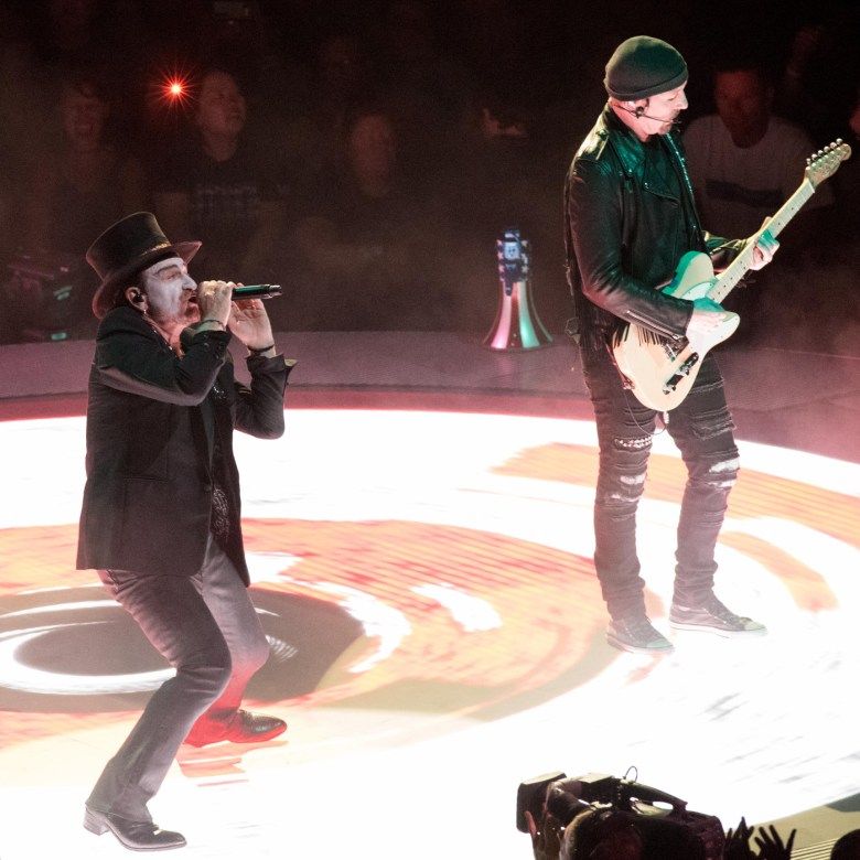 images/U2 at The Forum/DSC_8372