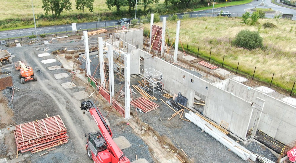 E-tec headquarters under construction in August 2019 with the precast columns being installed.