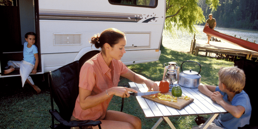 When it comes to cooking meals while camping, the simpler, the better. Planning your meals ahead of time will help making packing simpler and reduce waste.