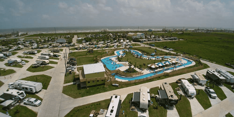 You don't have to go to the Caribbean to experience island life. Galveston Island's tropical climate and breathtaking views of the Gulf of Mexico is a great getaway for families. Even better when you're staying at a campground with a lazy river. Jamaica Beach RV Park has got you covered with two swimming pools, splash pad, pirate themed miniature golf, outdoor movie theater, multi-use trail to the bay, and public beach access across the street.