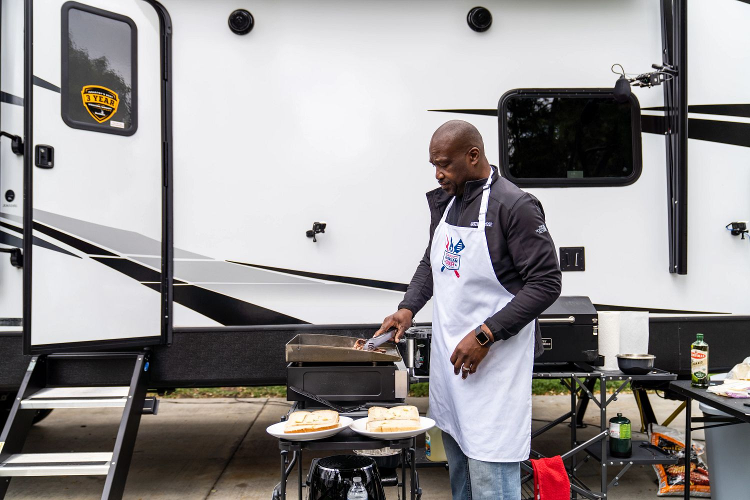 Keith Sims Makes Philly Cheesesteak Sandwich