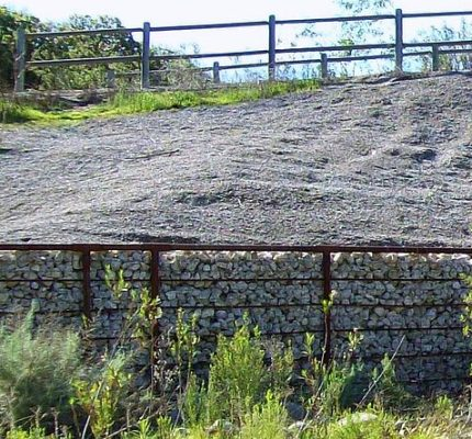 Revetment fencing for stream bank erosion protection