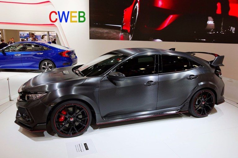 Honda_Civic_Type_R_-_Mondial_de_l'Automobile_de_Paris_2016_-_002.jpg