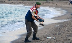 small boy refugee drowned