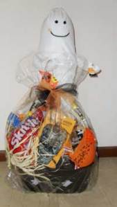 halloween-basket-for-baskets-of-hope-2011