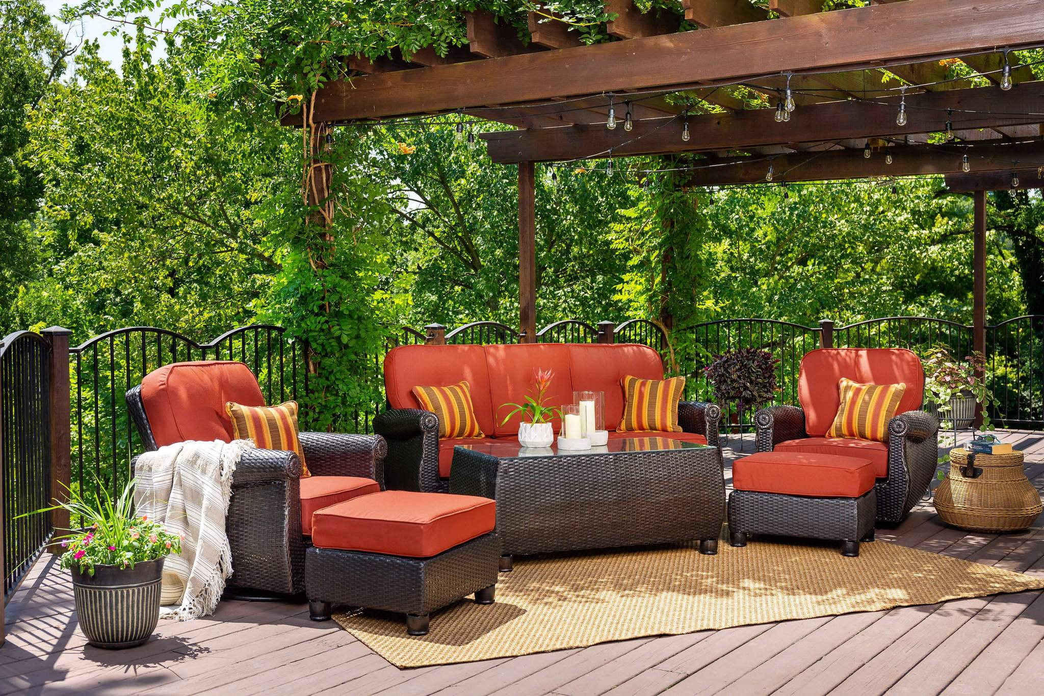 great patio sets for relaxing this summer