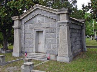 800px-Mahone_Mausoleum