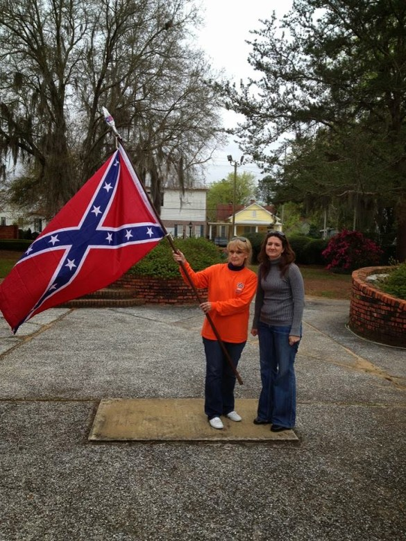 Pat Godwin and Susan Hathaway of the Virginia Flaggers