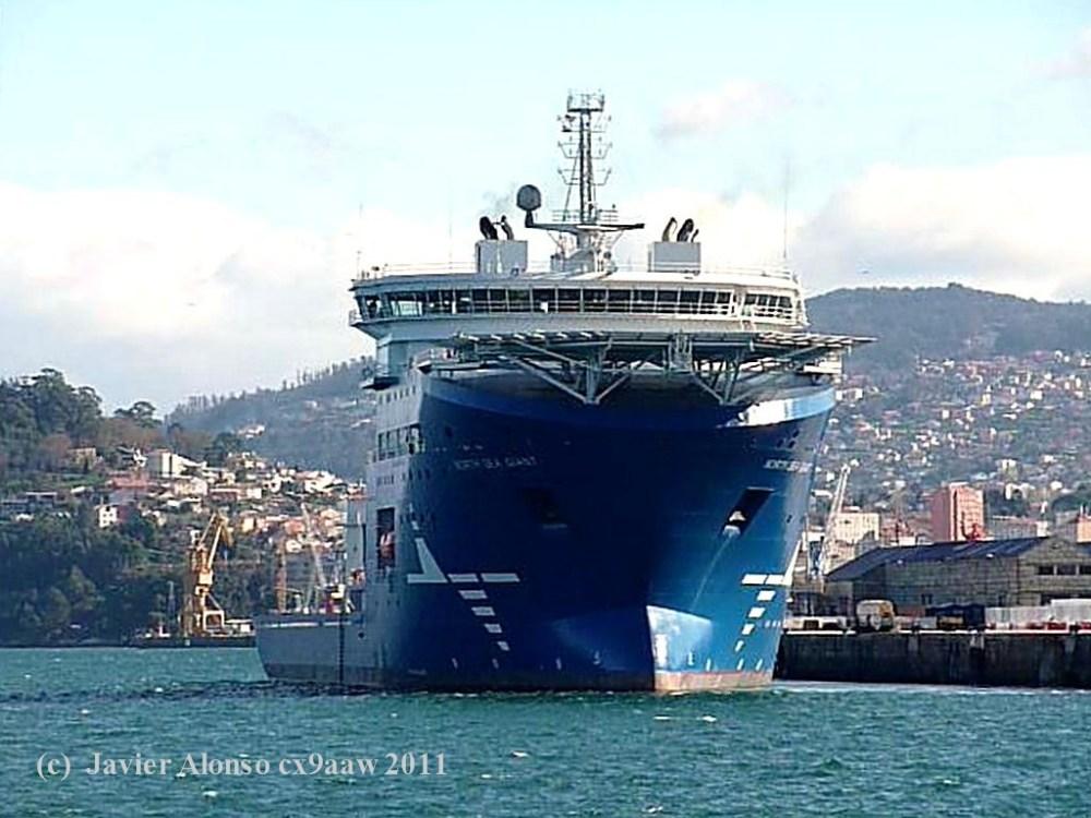 """El buque """"North Sea Giant"""" esta en sus pruebas oficiales por la Ria de Vigo (3/6)"""