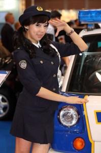 4_japan_police_woman