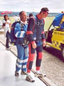 2001-07-parachute-15-cyreal