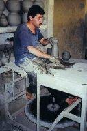 ma1999-souks-fes-potier