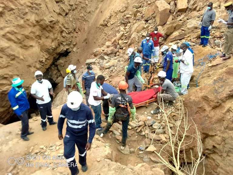 Bindura Mine Disaster: Rescuers Retrieve First Body From The Flooded Mine Shaft