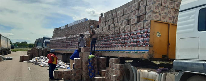 ZIMRA Bust Smugglers Who Declared Three Trucks Loads Of Groceries As Fertilizer