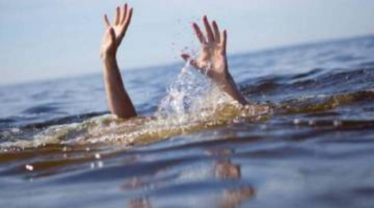Tragedy As Two Men Drown While Taking Pictures Of Flooded Mazowe River-iHarare