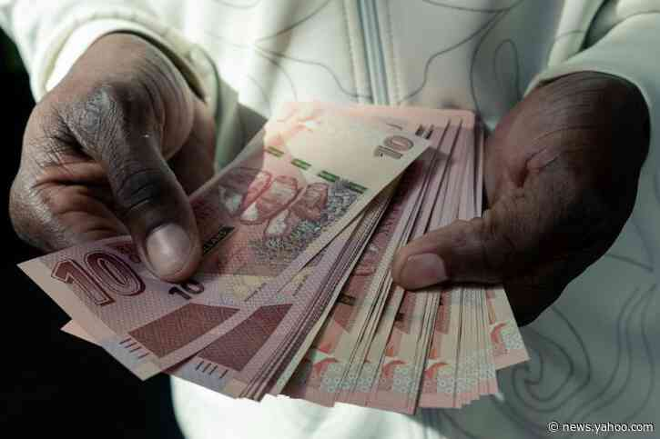 202-arrested-for-rejecting-zim-currency