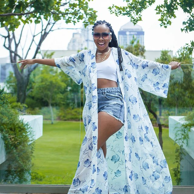 Scandal Actress Dintle Leaves Mzansi In Stitches With Her #BussItChallenge-iHarare
