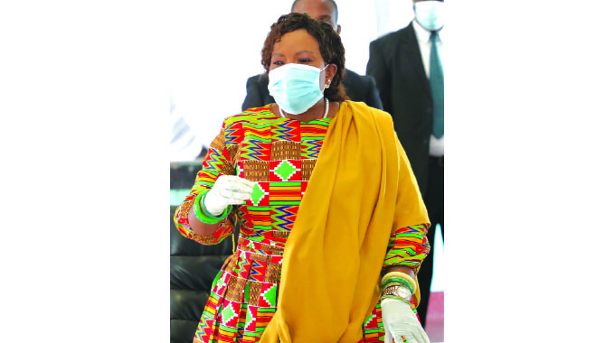 First Lady Reaches Out To Thigh Vendors, Urges Them To Earn Clean Money