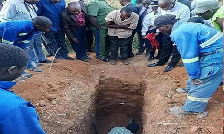 Zambian Pastor Dies After Asking To Be Buried Alive For 3 Days To Emulate Jesus' Resurrection