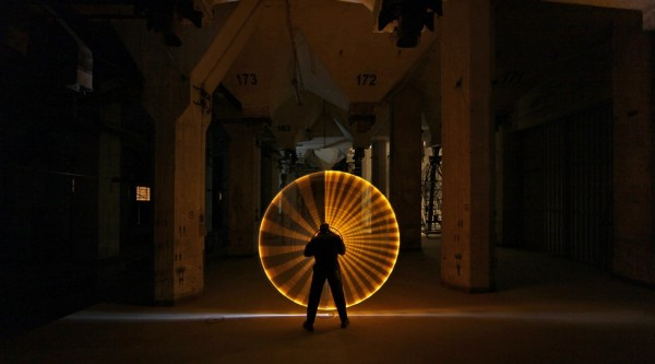 light art performance photography 600x333 Light Graffiti is getting more and more popular