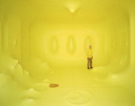 hans hemmert yellow balloon 1 600x467 Hans Hemmert Yellow Balloon Obssession