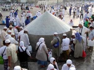 sumur-air-zam-zam-di-mekkah
