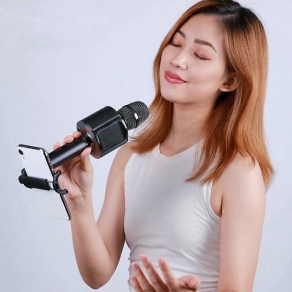 Remax K05 Portable Wireless Karaoke Microphone 2