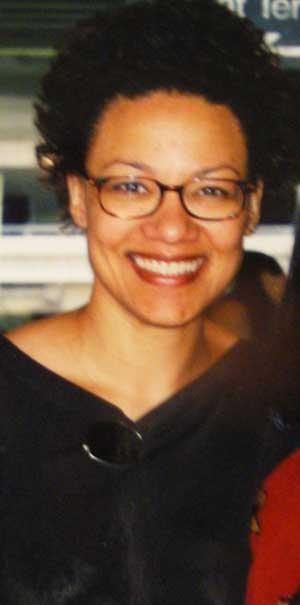 sass-short-hair-glasses