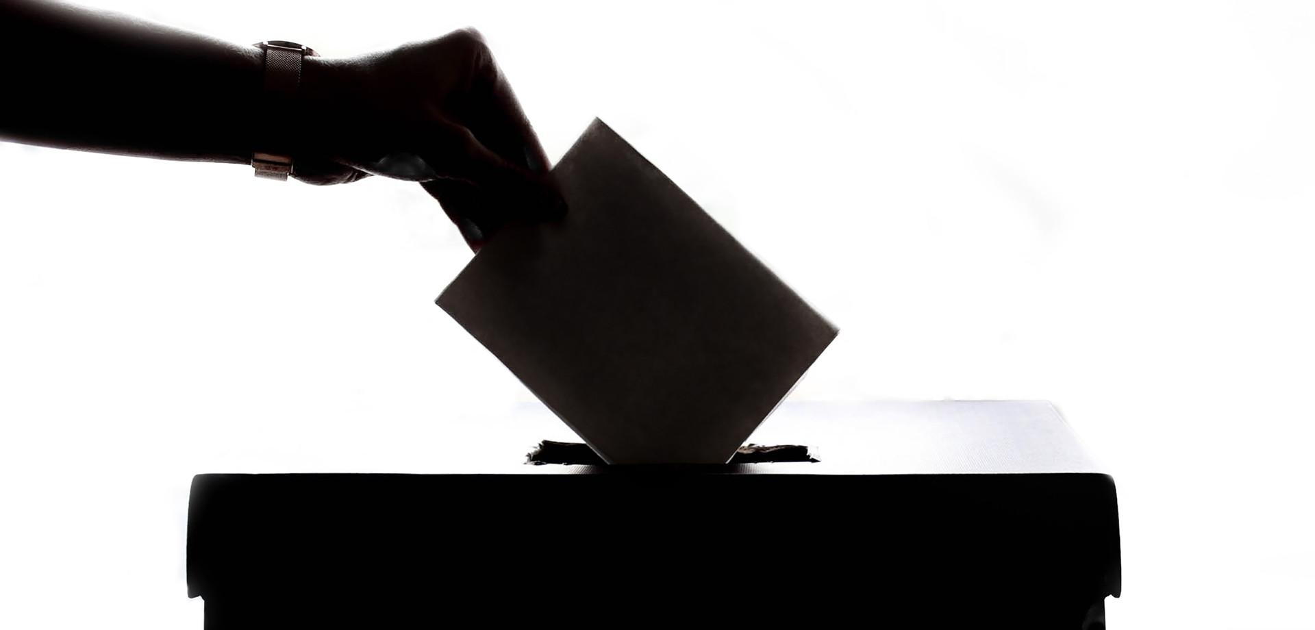Ruskí hackeri prenikli do amerických databáz voličov