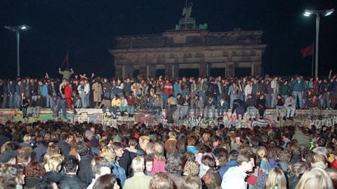 Umbenennung: Tag der deutschen Einheit in Tag der deutschen Massenverblödung