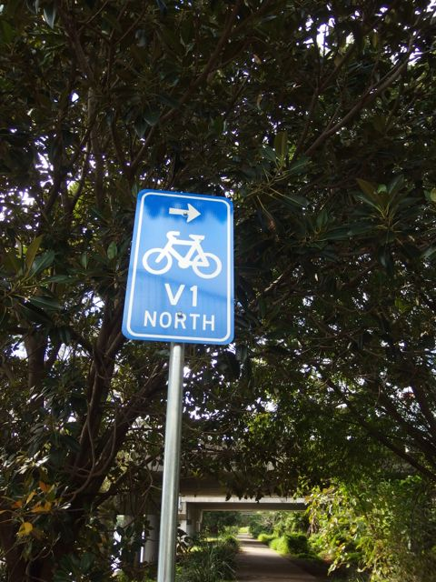 These blue V-1 signs were our guide into Brisbane.
