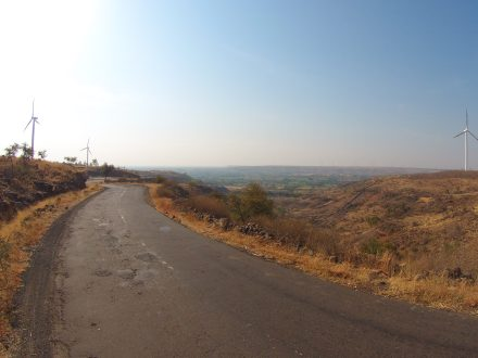 leaving the marvels of engineering behind us as we descend into Karnataka, a place of many worlds!