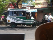 tuctuc bus 28seater