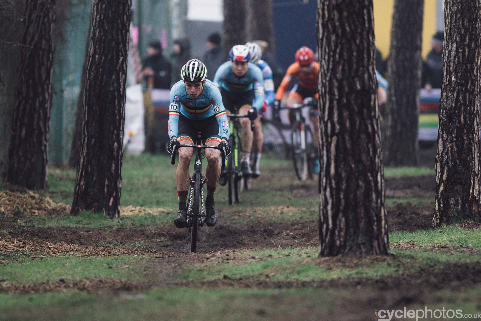 2016-cyclephotos-cyclocross-world-championships-zolder-145650-wout-van-aert