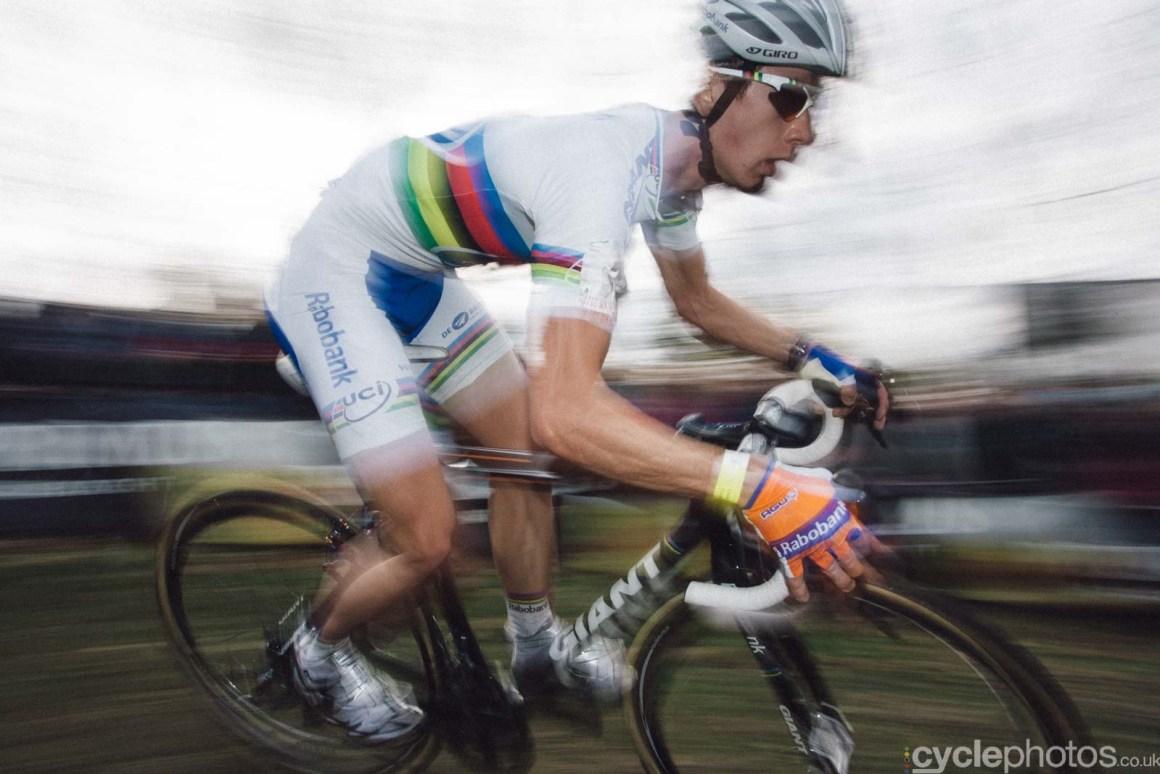 2011-cyclephotos-cyclocross-koppenberg-124217-lars-van-der-haar