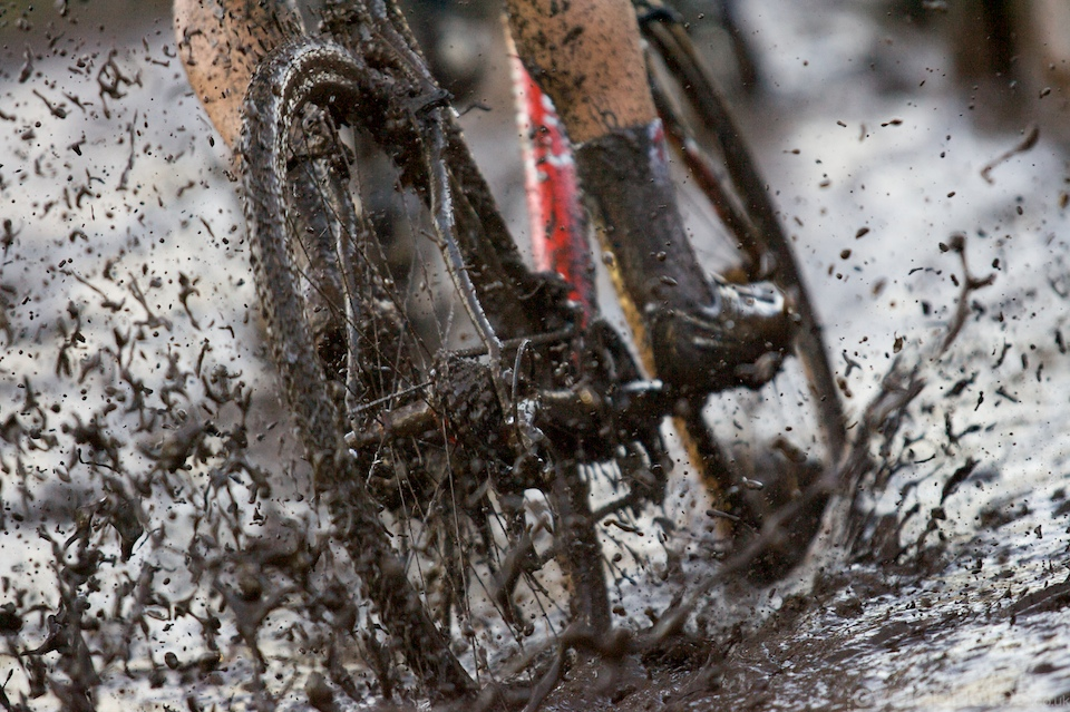 There is not much to be said about this photo - mud porn. Simples.