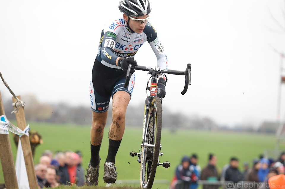 Bosmans' teammate Gianni Vermersch attacked in the first lap and led the race for a while.