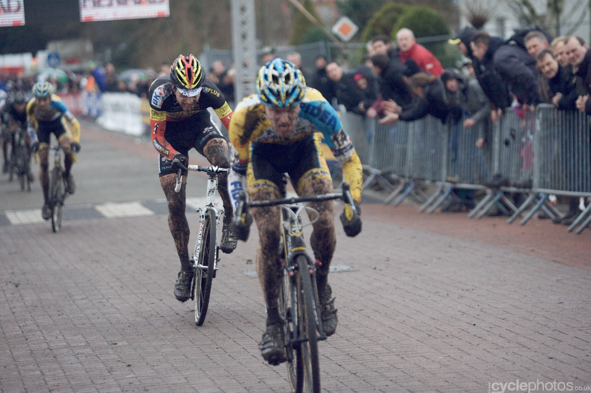 Wietse Bosmans tries to outsprint Corne van Kessel in the final lap of the fifth round of the Bpost Bank Trofee Azencross in Loenhout.