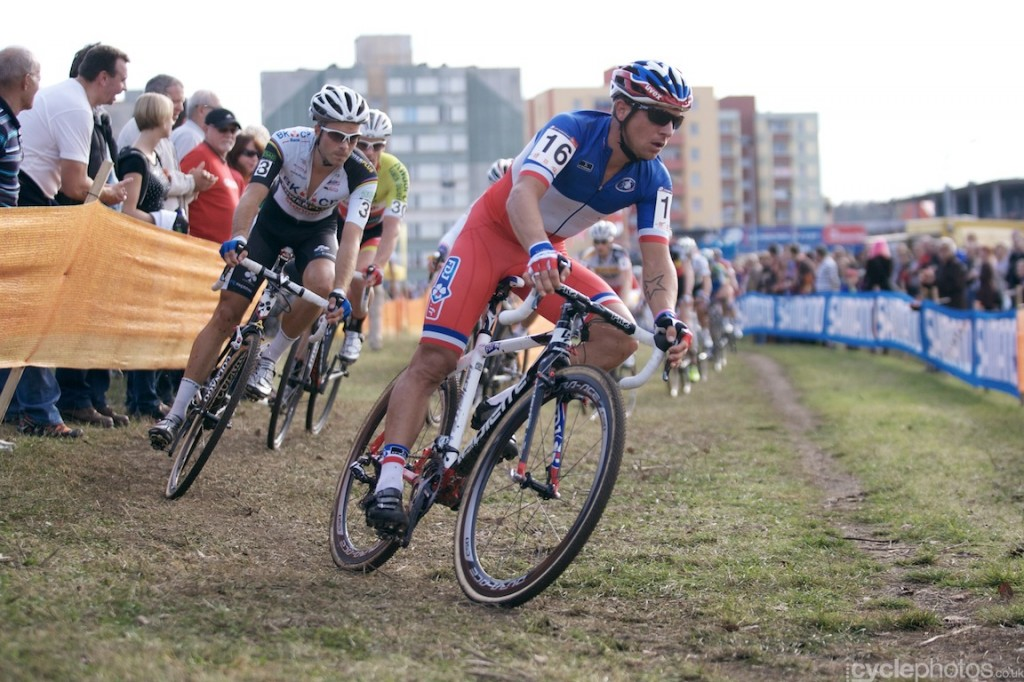 Francis Mourey leads the race in the first lap of the elite men's cyclocross World Cup race in Tabor.