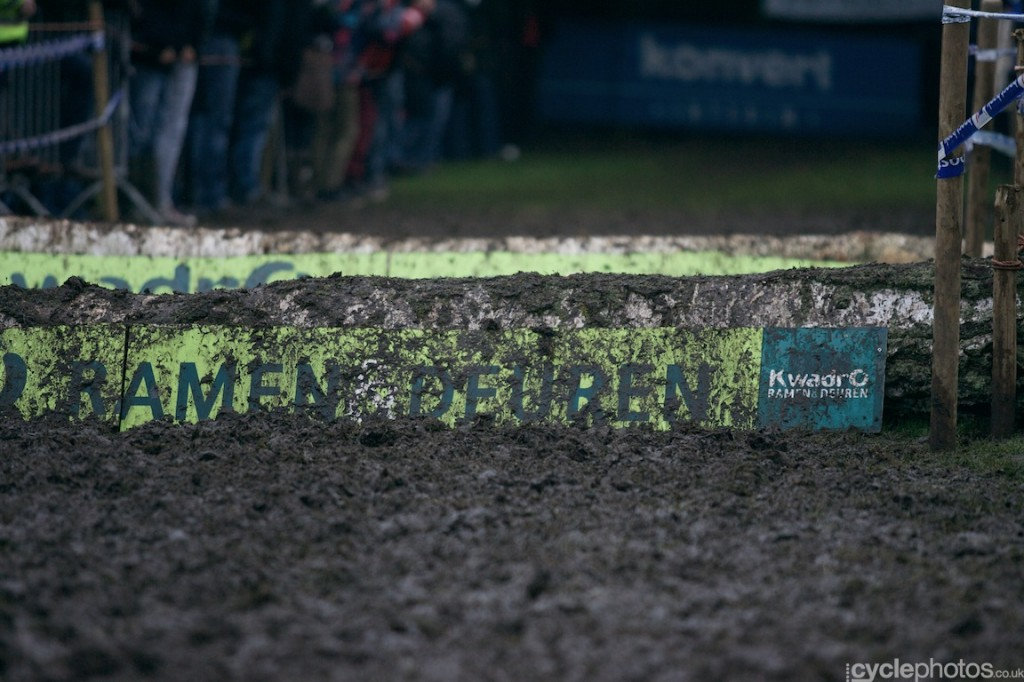 2013-cyclocross-bpost-trofee-hasselt-57-muddy-obstacle