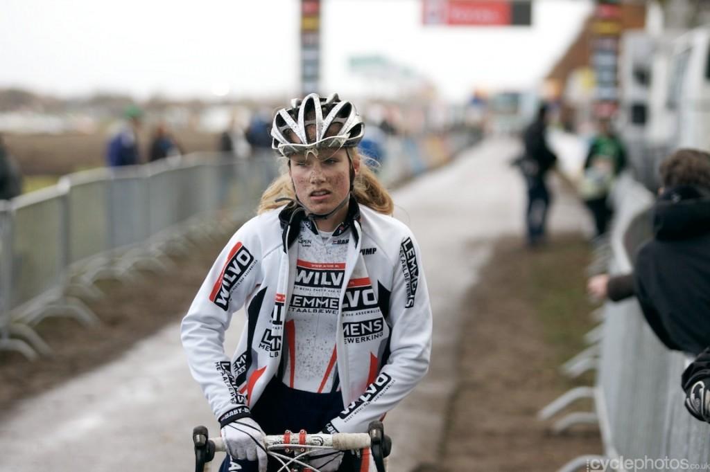 2013-cyclocross-superprestige-gieten-67-lizzy-witlox