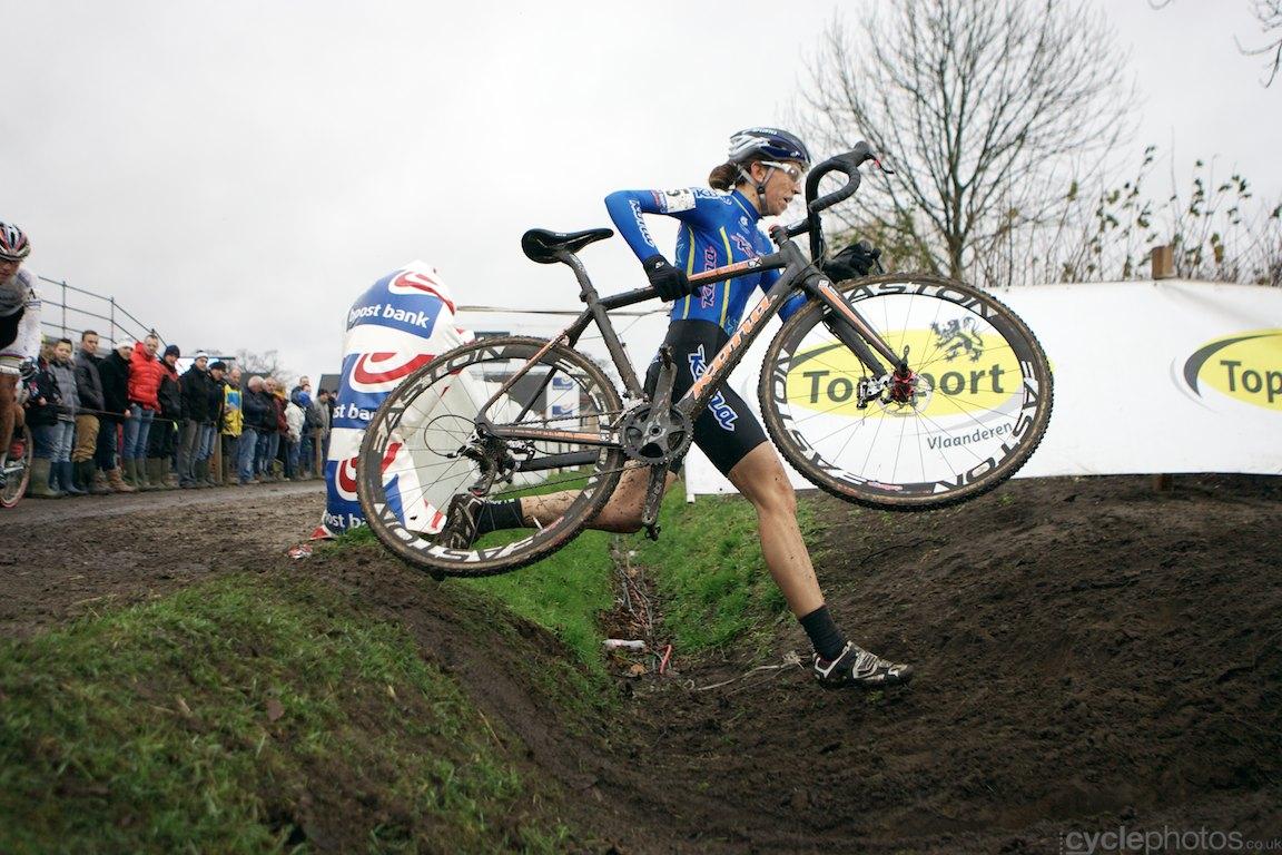 2013-cyclocross-bpostbanktrofee-loenhout-65-helen-wyman