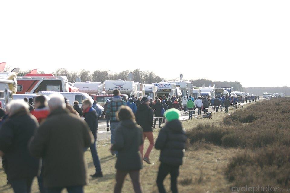 2014-cyclocross-bpostbanktrofee-sluitingsprijs-064-campervan-row