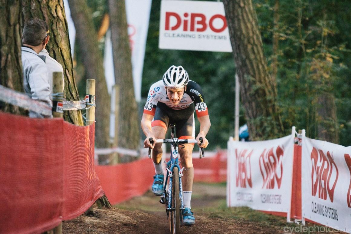 David van der Poel digs deep in the last lap of the Soudal Classic cyclocross race in Neerpelt.