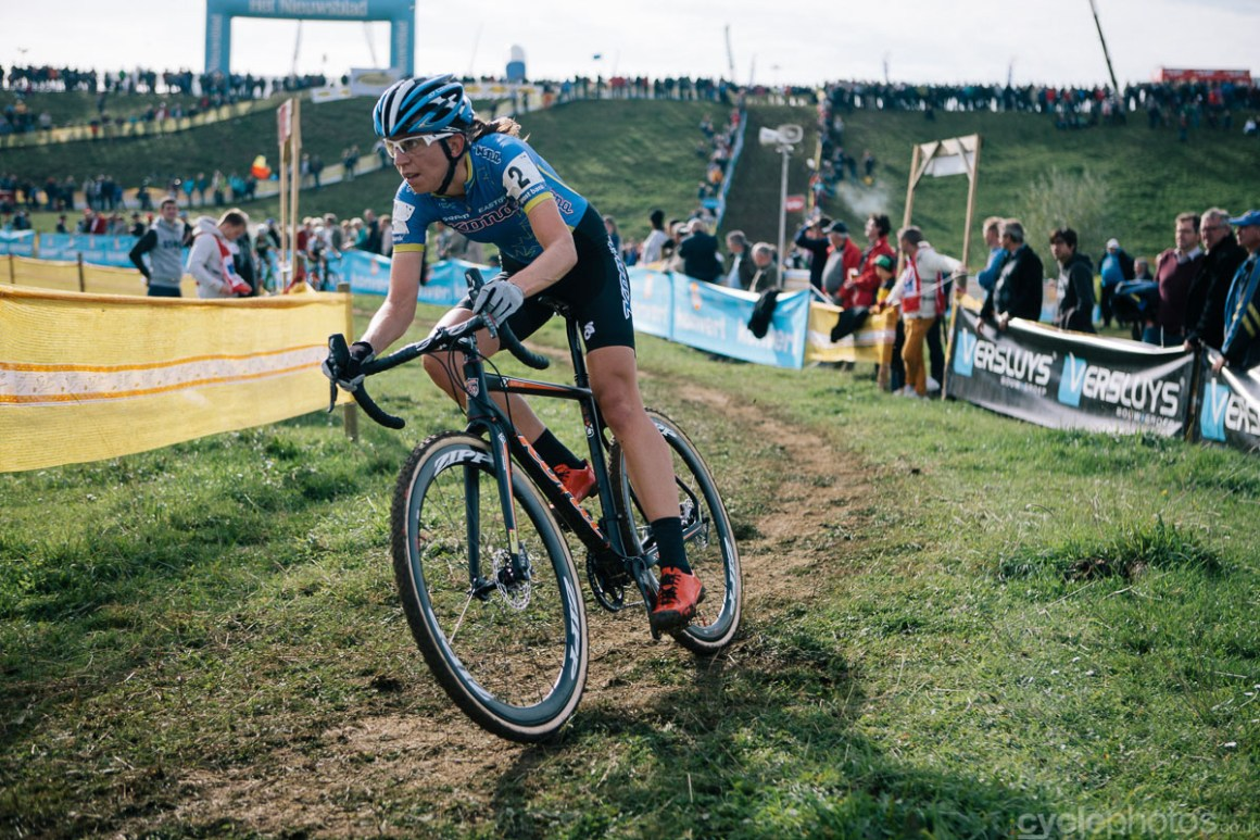 Helen Wyman rides in the third lap of the Bpost Bank Trofee cyclocross race in Ronse. Photo by Balint Hamvas / cyclephotos.co.uk